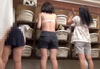 【個人撮影】完全にガチ・・!?JKくらいの若い娘のみにクローズアップしたHD脱衣所盗撮動画がヤバすぎる!!
