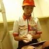 【個人撮影】完全にマック店員なんですが・・お気に入りのバイトJKのトイレを盗撮した