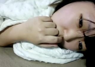 【個人撮影】「んっ・・・」中×生生主が慣れないオナニーを披露してしまう・・!