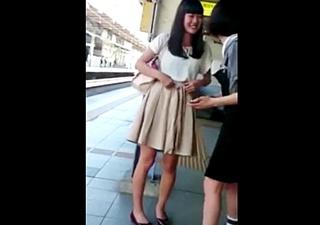 乃○坂46の北○日奈子のスカートめくり撮りパンチラを盗撮されてしまう!これがホントのお宝映像か・・!!