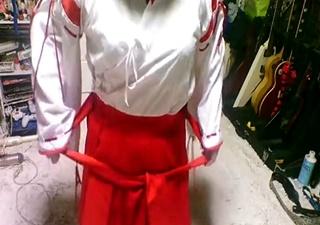 【個人撮影】エロイプから流出した動画か!?巫女娘が脱衣&オナニーを自撮り!!