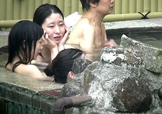 【高画質】伝説の撮り師Aquarium撮影!女子大生グループの露天風呂盗撮動画がヤバい・・!