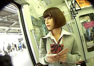 【JK2名】※必見※モデルの質・滞空時間・HD画質!非の打ち所がない極上パンチラ動画が遂に見つかってしまう!