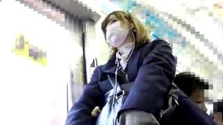 金髪JKのパンチラ盗撮動画