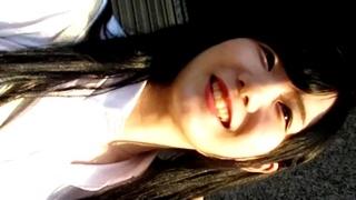 【パンチラ盗撮】アイドル顔の超美少女JKちゃんに声掛け⇒容赦なくめくり撮りする有名撮り師の蔵出し作品が必見レベルwww