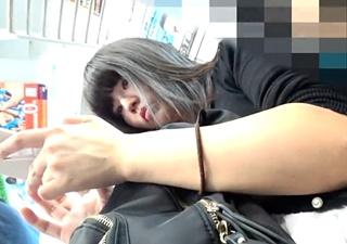 あどくろ 【私服JD】さかさんぽ No.020 清楚系黒髪美少女。まさかの縦スジまるわかり?【顔出し】