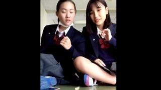 TikTokでJKちゃん達のパンチラを見る動画