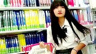 ☆プルート☆ 【高画質】制服白パン逆さ撮りNo32