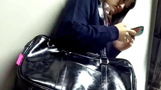 【電車痴漢】顔出し制服JK★興奮か緊張か?まさかの大失禁!★アイドル系★黒髪美少女