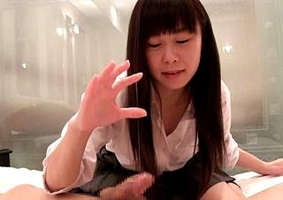 【CFNM】JのC乳首舐めマンコ弄ったら喘ぎながら手コキ12分23秒/4000円