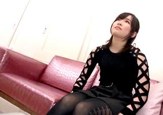 【個人撮影】興奮すると思わず関西弁になるガチ素人JDと円光!調教好きおじさんの指導でローターオナニー!