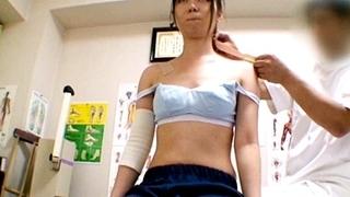 部活少女専門マッサージ治療院でJKが性的悪戯