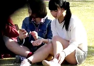 アイドルより可愛いS級中学生のパンチラ盗撮動画