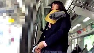 電車でJKを盗撮