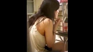 ガチ素人娘のリアルな日常を覗き見した民家盗撮動画