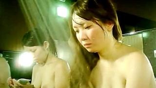 二代目脱衣女が女子大生を銭湯で盗撮