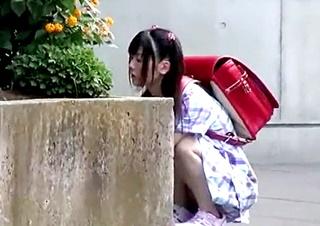女子児童に性的悪戯をする性犯罪映像