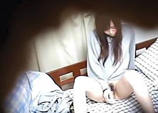 大学女子寮の管理人が女子大生の放尿やオナニーを盗撮
