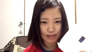 生理とナプキンの紹介をするメンヘラYouTuber