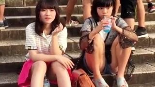 美少女JCの座りパンチラを対面盗撮