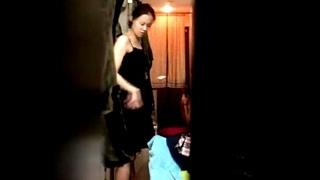 【民家盗撮】覗き撮りの対象は5名の1人暮らしの女性達!全裸でスレンダーな身体を晒して室内をウロチョロする様子が生々しい・・!