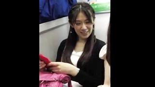 電車で発見したS級美女のお顔同時パンチラ!ドスケベなTバック着用でフルボッキが止まらないwww