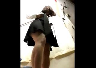 お気に入りのバイトJDの着替えが見たい一心で隠しカメラを設置→盗撮に成功するもその後事件が発覚するに至った店長の犯行動画