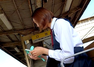 【超高画質】このレベルの美少女JKは中々いないぞ!女撮り師が撮影した逆さ撮りパンチラが奇跡レベルの出来栄え!