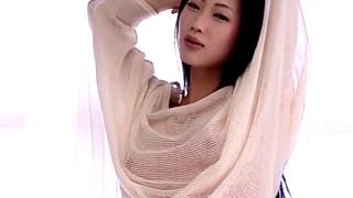 【着エロ】結婚が報道された壇蜜さん、イメージビデオではキワドイだけでなく乳首や乳揉みまで解禁していた!