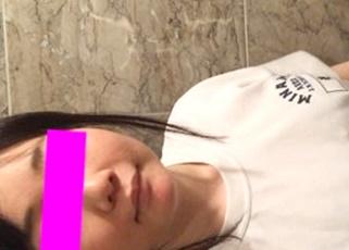【個人撮影】これは学校バレ不可避・・体操服+制服スカートでラブホにINした素人の投稿動画がアップされる!