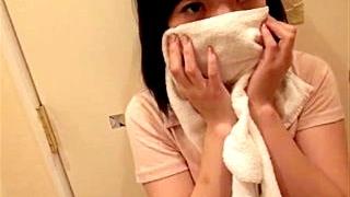 【個人撮影】「ちょっとだけお願い!」気が弱くて断り切れない円光JKが強引に本番に持ち込まれる映像がネットに投稿される