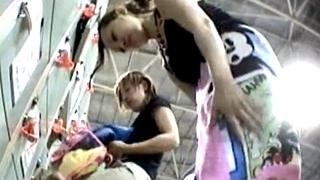 【鬼姫&夜叉姫】共犯者逮捕!某レジャー施設で水着ギャルの着替えを盗撮した女撮り師の危険な投稿動画!