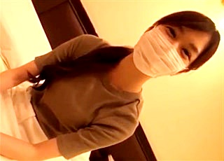 【個人撮影】「貧乳がコンプレックスなんです...」超美人なハーフ女子大生のAカップおっぱいを徐々にほぐしていくガチ円光動画