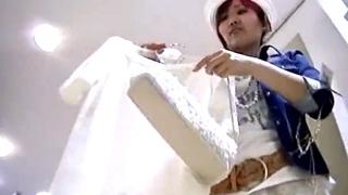 【フロントの刺繍がドスケベ】Mr.研修生 Presents アパレルショップ店員逆さ撮りTバックパンチラ