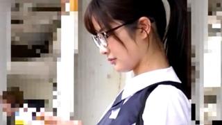 優等生タイプを極めたメガネの美少女生徒会長JKを痴漢レイプで徹底的に凌辱&中出し!これは流石にアカンやろ・・・