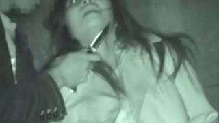 ※ガチレイプ映像※ 深夜の住宅街で喉元に刃物を突き付けられながら強姦される女性を隠し撮り