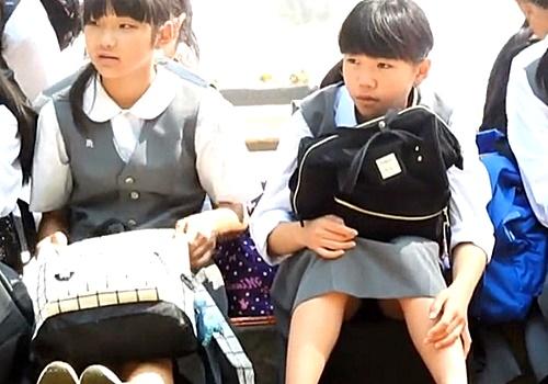 【盗撮動画】即削除の可能性アリ。美少女JCの座りパンチラを対面撮影することに成功! | ADULTSEEK
