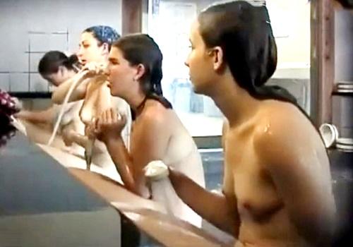 【盗撮動画】膨らみかけ白人ティーン少女の裸体を銭湯で隠し撮り!世界よこれがジャパニーズHENTAIだ