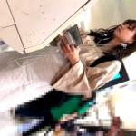 【高画質】※完全顔出し※ ターミナル駅で発見した上玉美人JDちゃんを追跡して純白おぱんつGET成功!