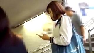 危険ガチ盗撮!1人で下校中のセーラー服JKのストーカー撮りパンチラ