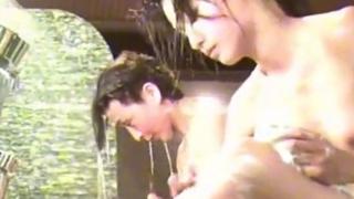 【盗撮動画】美少女にも程があるぜ・・・ママと銭湯に来たSランク女子●生の膨らみかけボディを隠し撮り