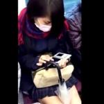 【クリオネ】電車通学のマスク美人JKちゃんの穢れの無い純白おぱんつを拝見