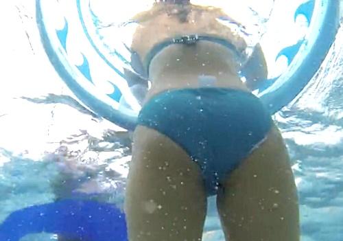 【盗撮】防水カメラを仕込んで市民プールを水中撮影してみたら天国だった件