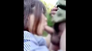 【素人流出】ビッチ女さん、キャンプ場で彼氏のちんぽをフェラ抜き