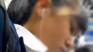 """健康的な制服JKちゃん、痴漢男に""""アナルをくぱぁ""""され穴のヒダヒダから黒ずみまで盗撮されてしまう"""