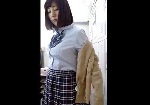 SNSで探した撮影会モデルの着替えを盗撮する悪徳業者!最近の小型カメラってこんな綺麗に映るんだな