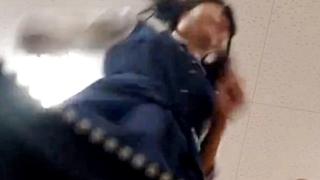 【ガチ盗撮動画】学校の教室でクラスメイトJKのパンチラをカバンカメラで撮影