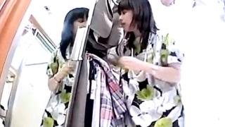 【Mr.研修生】三十路前後の大人美人なアパレル店員の柄プリントぱんつを直下撮り!