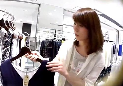 【逆さHERO】清楚&美人なショップ店員さん、純白おぱんつが股間に食い込みまくり