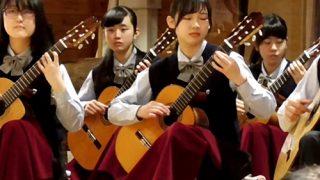 コンサートに出演の超絶美少女JKちゃん、片膝立て演奏で純白パンチラしてしまうwww(動画あり)